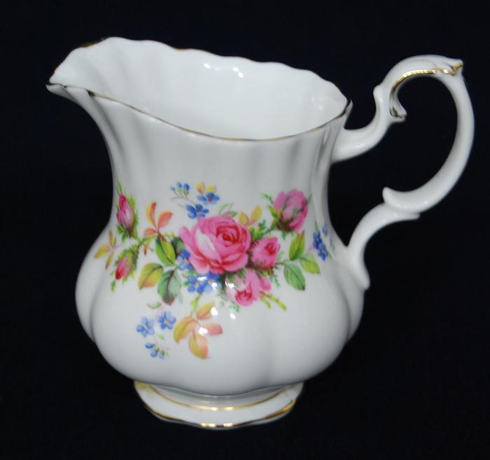 c92 royal albert kaffee service moos rose england porzellan 22 teilig bone china ebay. Black Bedroom Furniture Sets. Home Design Ideas