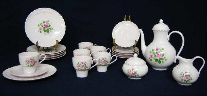 c114 hutschenreuther kaffee service porcelaine rose porzellan porcelain. Black Bedroom Furniture Sets. Home Design Ideas